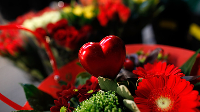STRAELEN, GERMANY - FEBRUARY 09:  Flowers prepared for dispatch are pictured at wholeseller Bloomways warehouse five days before ValentineÕs Day on February 9, 2012 in Straelen, Germany. ValentineÕs Day is among the busiest times of year for GermanyÕs flower retailers.  (Photo by Ralph Orlowski/Getty Images)