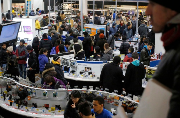 Black Friday has traditionally been the busiest shopping day in the United States.      (REUTERS/Brian Snyder)